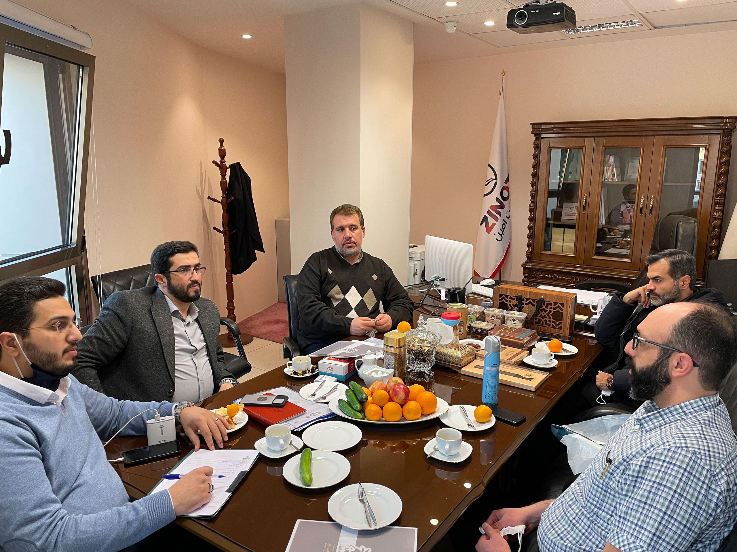جلسه با مدیر فروش تولیدی بنتو