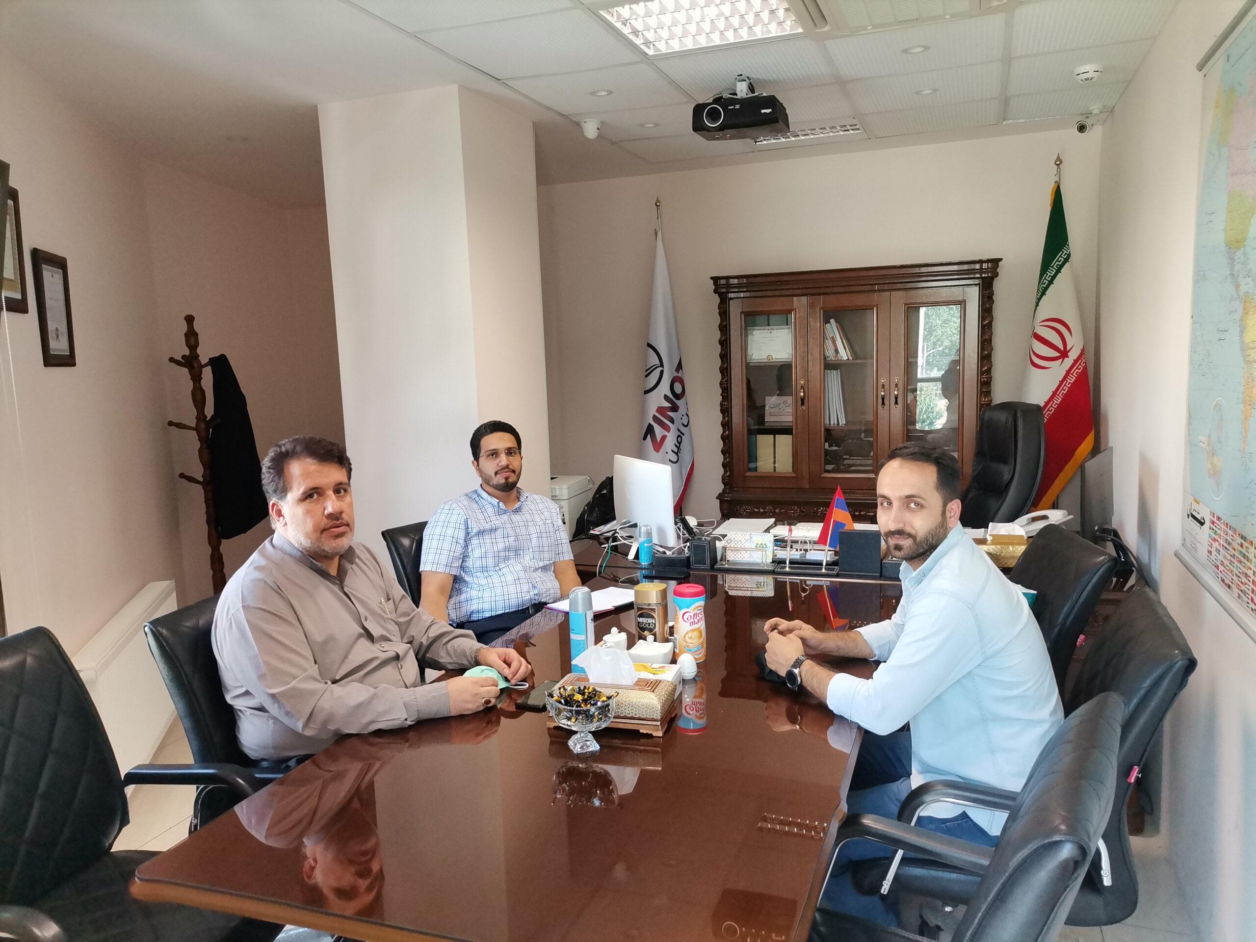 نشست هیئت مدیره زینو تجارت با آقای احمدی مدیرعامل مجموعه تولیدی بازیران