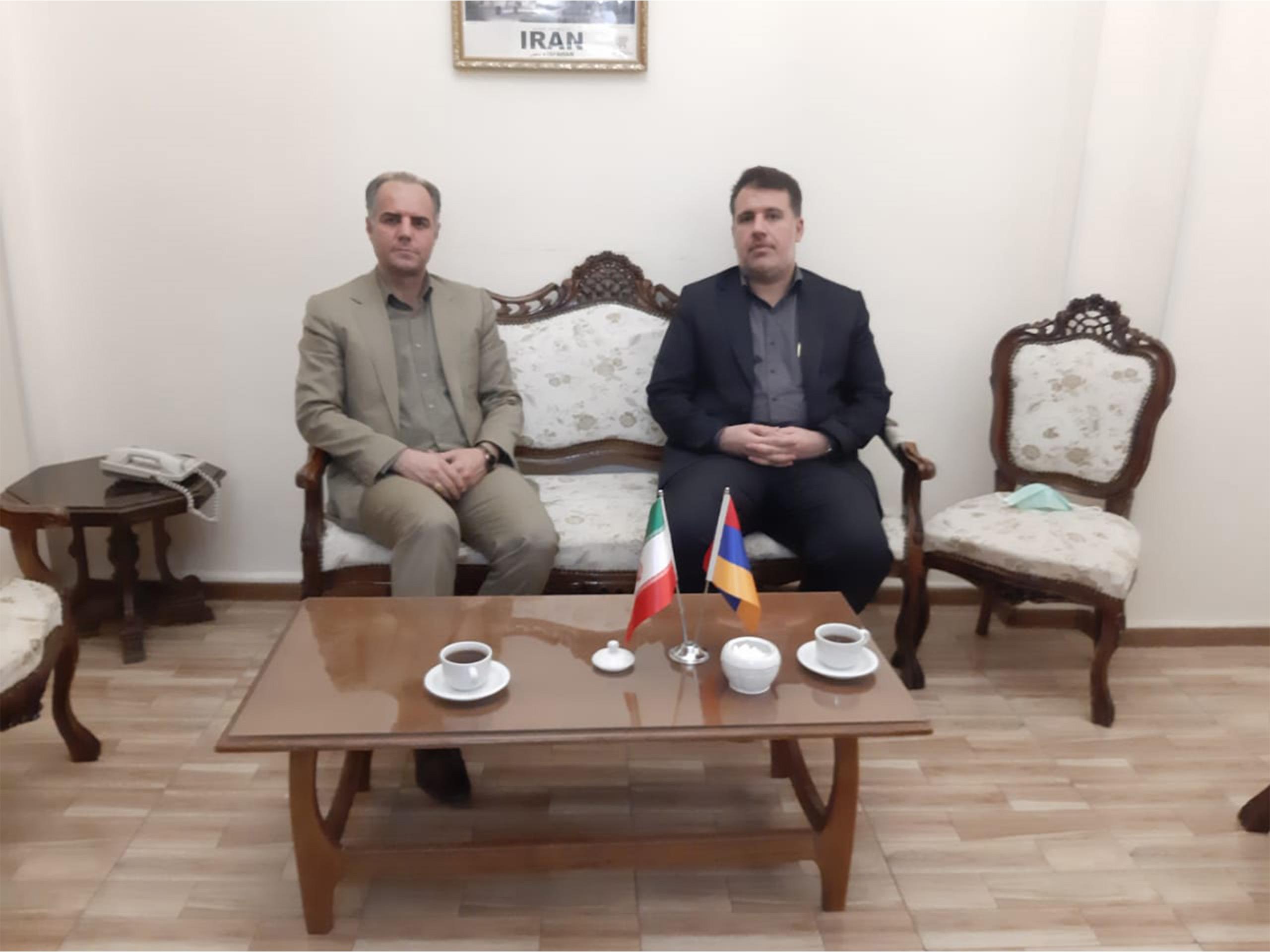 نشست مدیر عامل زینو تجارت با مهندس گداری رایزن اقتصادی ایران در محل سفارت ایران در ارمنستان1400/06/03