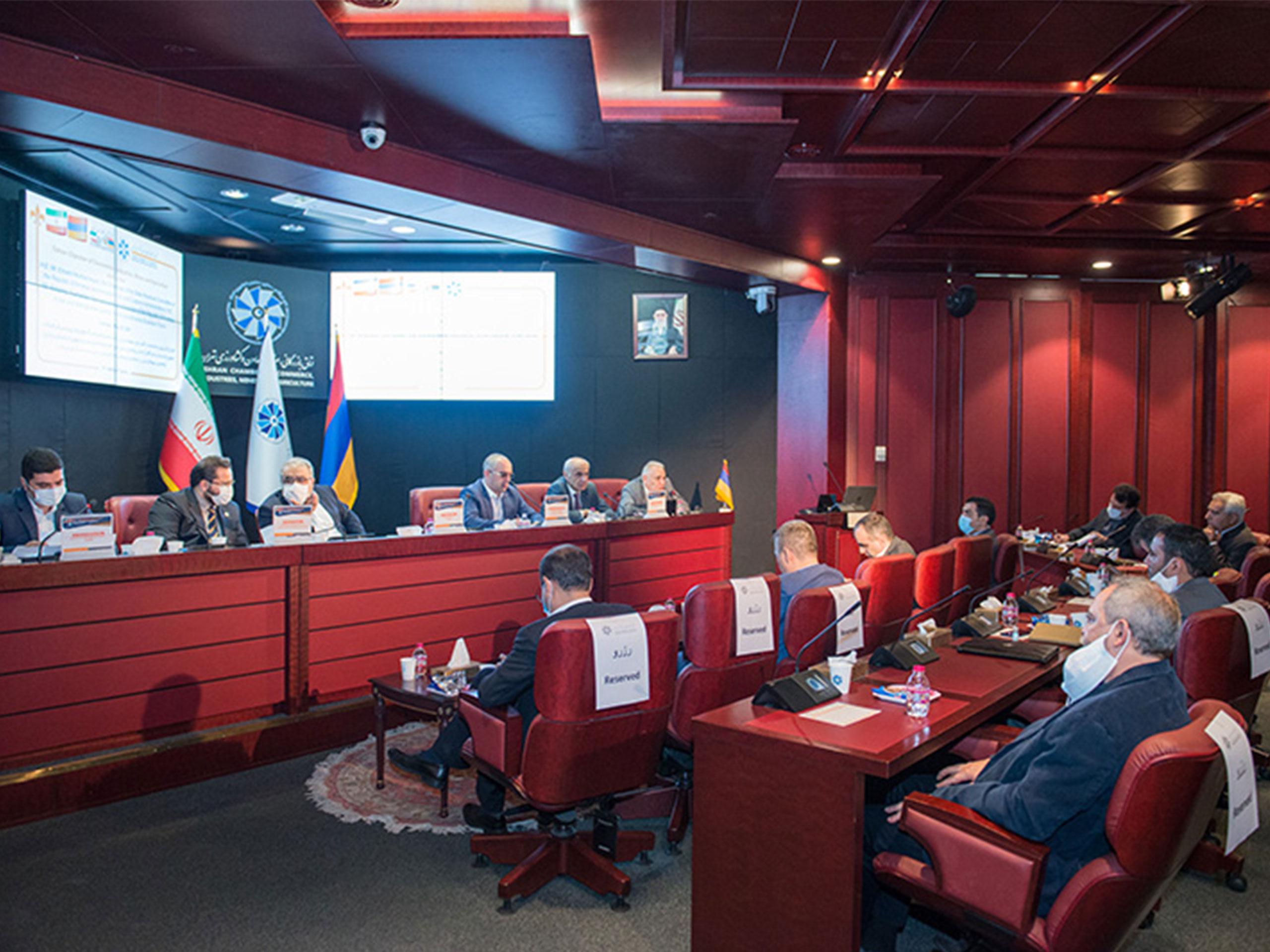 حضور مدیرعامل شرکت زینو تجارت در همایش بررسی فرصت های تجاری ایران و ارمنستان