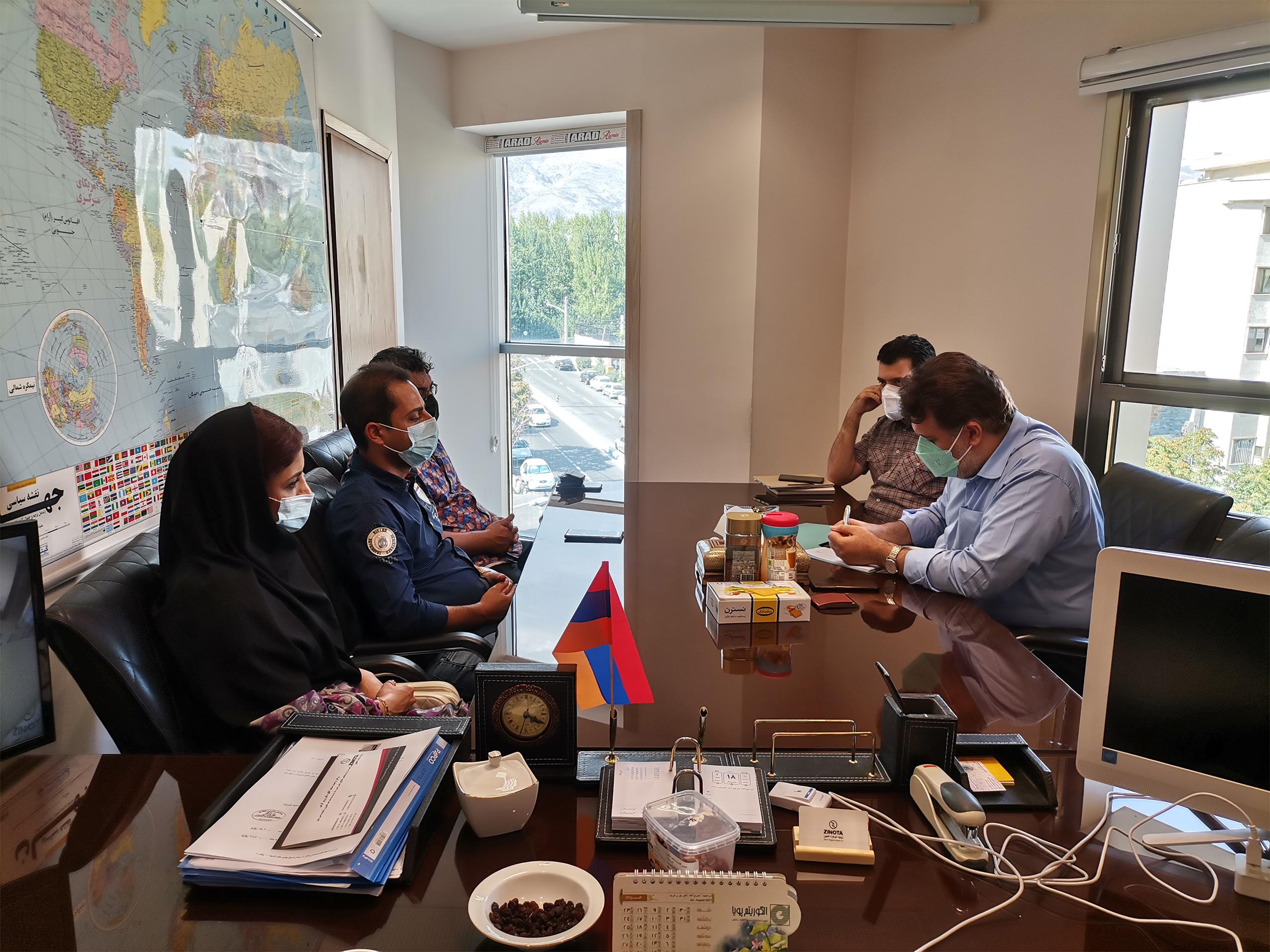 نشست با آقای محسن وحدانی مدیر عامل مجموعه تولیدی ستاره زیبای کوچک ایرانیان